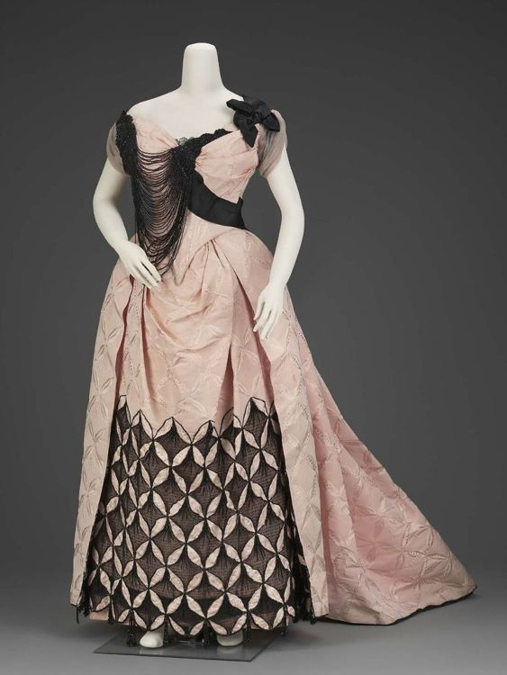 charles frederick worth and the 19th century fashion essay Something wonderful happened to the world of fashion during the second half of the 19th century minute guide to the house of worth charles frederick worth.